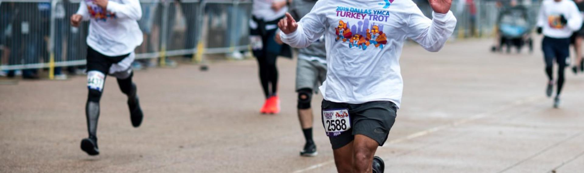 runners at 2019 Turkey Trot